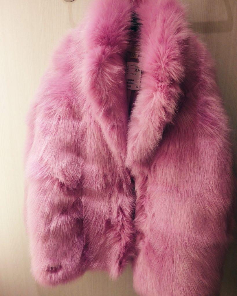 MAMA WANTS A SUPERFLY FAUX FUR COAT H&M pink faux fur coat
