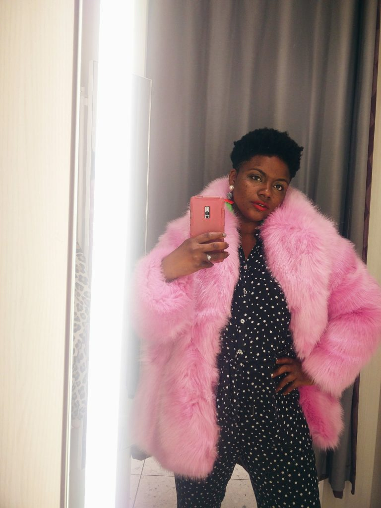 Pink faux fur Fashion blog mom style blog coat MAMA WANTS A SUPERFLY FAUX FUR COAT